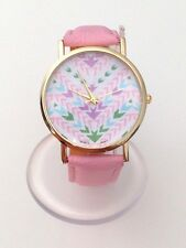 "Montre femme ""Motif Géométrique"" Bracelet rose (Vintage watch fashion)"