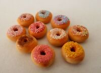 DOLLS HOUSE MINIATURE FOOD 1:12 10 X MIXED FROSTED DONUTS COMBINED P+P