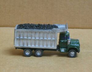 WALTHERS HO Coal Truck w/Load, Resin