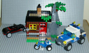 Lego City - Robber's Hideout - Set 4438 from 2012