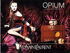 Publicité Advertising 107  1995  Parfum  Opium Yves Saint Laurent & Kate Moss