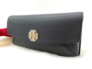 AUTH $298 NWT Tory Burch Kira Pebbled Leather Medallion Logo Clutch In Black