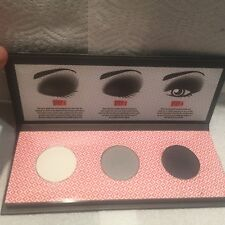 kiss & make up eye catching smokey eye shadow Pallete
