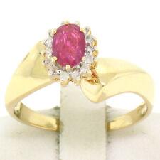 14K Oro Giallo Offset .94ctw Rubino Ovale & Tondo Diamanti Anello