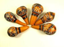 eine Rassel aus Kürbis Maraca Kalebasse Handrassel Musikinstrument Motive NEU