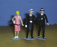 TOY SOLDIERS  TIN GANGSTER AL CAPONE BODY GUARD & GIRLFRIEND  54MM