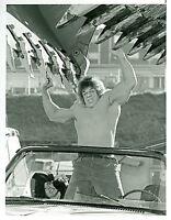 LOU FERRIGNO AS THE HULK DEATH OF THE INCREDIBLE HULK ORIGINAL 1990 NBC TV PHOTO