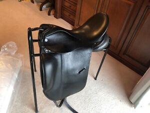 Albion Platinum Ultima Dressage Saddle 17 Inch Seat