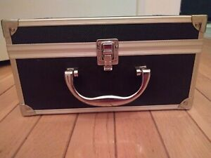 Vintage Hard-Sided Carrying Case Box for Camera or other