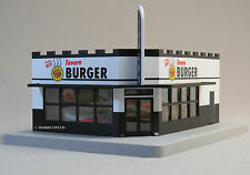MTH RAIL KING ILLUMINATED TAVERN BURGER CORNER STORE o gauge trains 30-90392 NEW