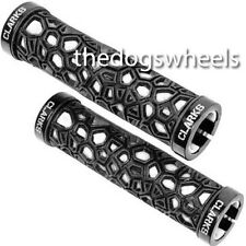 Clarks serratura di Holey MTB Bicicletta Manubrio Grip Lock-On Nero Bianco