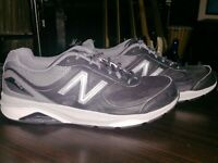 New Balance Men's 1540v3 Running Shoe, Black/Grey Castlerock, Mens Size 10.5