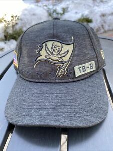 2020 TAMPA BAY BUCCANEERS NEW ERA 2020 SALUTE TO SERVICE YOUTH ADJUSTABLE HAT