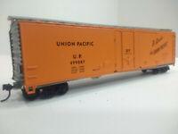 HO Scale 50' DF Plug Door Boxcar UNION PACIFIC - UP #499087