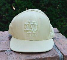 NCAA Notre Dame Fighting Irish New Era 59Fifty Tan Fitted Baseball Hat Sz 7 5/8