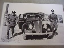 1937 FORD POLICE CAR AND POLICEMEN    12 X 18 LARGE PICTURE / PHOTO