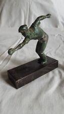 Ancienne statue joueur de boules en régule socle marbre noir. Hauteur de 13 cm
