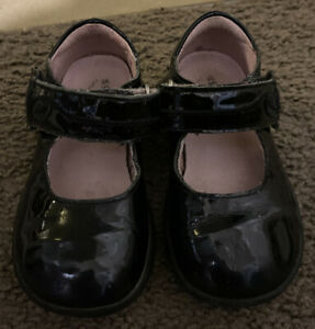 Stride Rite Black Shiny Leather Upper Mary Jane Shoes Size 6.5m