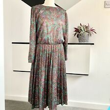 VINTAGE Green Paisley Dress Size 16 purple    Pleated Skirt modest 80s