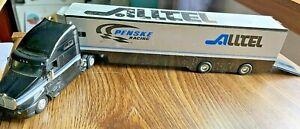 1/64 RYAN NEWMAN Hot Wheels #12 Alltel Car Transporter Hauler Kenworth T2000 Cab