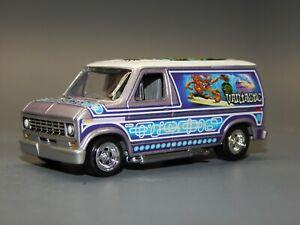 Johnny Lightning 1977 Ford Econoline Custom Van VANTASTIC Voo Doo Mural L@@SE