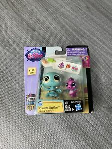 LITTLEST PET SHOP Pets in the City #139 #140 CORALINA REEFTON & AYA WATERLY NEW!