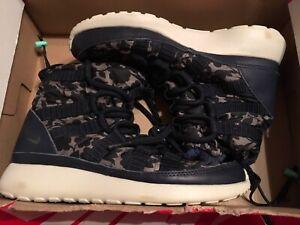 New Nike Women Roshe Sneaker Boots - Navy Floral One HI Lib QS 821776-400 sz 5.5