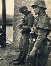 WW2 Photo WWII German Soldiers Eastern Front  World War Two Wehrmacht / 2480