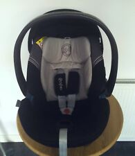 Cybex  Aton 3S Infant Car Seat Group 0+ Black/grey Immaculate Condition