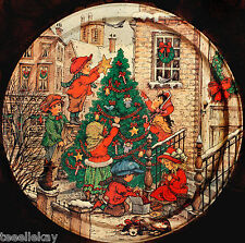 """Vintage WIM SCHIMMER """"CHILDREN DECORATING XMAS TREE in the CITY"""" Metal Tray '50s"""
