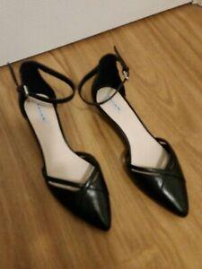 Brand New Tahari Emilia black leather wedge heels shoes size 8.5M or 39