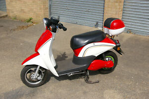 ELECTRIC  SCOOTER ROAD LEGAL  48VOLT LITHIUM 20AMP BATTERY 12 MONTH MOT
