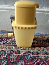 VINTAGE RETRO STUNNING LARGE YELLOW ICE CRUSHER HAND CRANK HOME BAR COCKTAILS