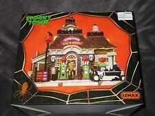 Halloween Lemax Spooky Town, Gas 'N Ghoul   2011