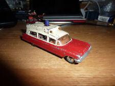 Ambulances miniatures multicolores 1:43