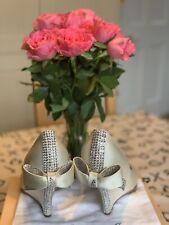 Aruna Seth Marfil Satinado Cuña Zapatos arco de boda ocasión de cristal de Swarovski 8 42