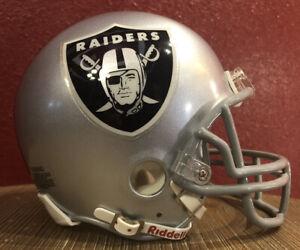 NFL Throwback Oakland Raiders Riddell Mini  Football Helmet & Facemask