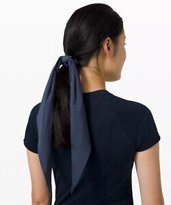 Lululemon Uplifting Scrunchie *Flow Iron Blue