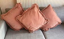 Vintage Conjunto de 3 cojines de terciopelo en rosa salmón, bordes con volantes/acanalada, cremalleras ocultas