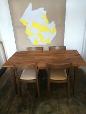 Beautiful Solid oak dining table and chairs