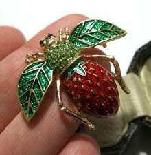Gorgeous Vintage Style Strawberry BEE Insect Enamel Crystal Jewellery BROOCH Pin