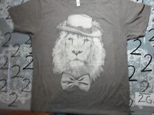 Large Lion with Hat and bow tie  T Shirt