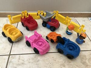 Fisher Price Little People Lot Cars Mechanic Construction Theme Fencing