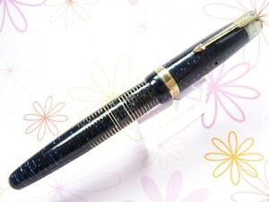 PARKER VACUMATIC NEVER USED STICKERED FOUNTAIN PEN 5'' BLUE DATE CODE .4.