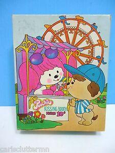 Vintage Poochie Jigsaw Puzzle Kissing Booth Golden 25 Large pcs 1983 Children's