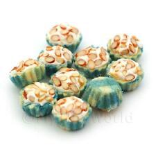 4x Miniature picados Almendra Cupcakes con un tazas de papel azul y blanco
