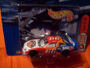 DARRELL WALTRIP K-MART HOT WHEELS 1/64 scale car HW NASCAR  KMART 1999 DW