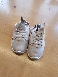 Nike Huarache Baby Girl's Pink Trainers Size 5.5 Infant (EU 22)