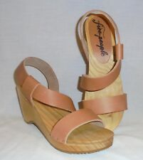Free People Women's Dune Beach Leather Clogs Retail $148 size 9
