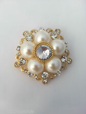 VINTAGE FAUX PEARL ALLOY GOLD FLOWER DESIGN CRYSTAL RHINESTONE DIAMANTE BROOCH